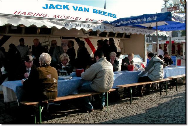 Datei:Wochenmarkt-in-vaals-niederlande-1555.jpg