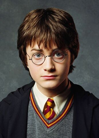 File:2001-Harry-Potter-and-the-Sorcerer-s-Stone-Promotional-Shoot-HQ-harry-potter-11097228-1600-1960.jpg