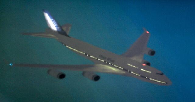 File:OWA 747-400.jpg