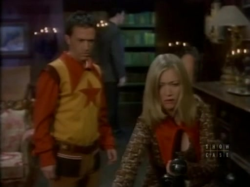 File:The.new.addams.family.s01e38.close.encounters.of.the.addams.kind020.jpg