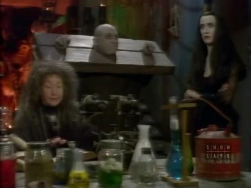 File:The.new.addams.family.s01e27.crisis.in.the.addams.family081.jpg