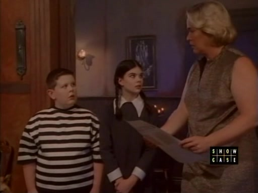 File:The.new.addams.family.s01e17.uncle.fester's.toupee075.jpg