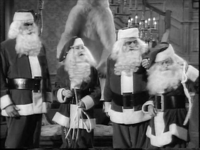 File:49.Christmas.with.the.Addams.Family 087.jpg
