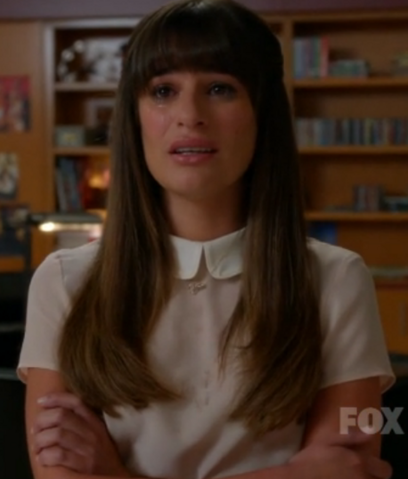 File:Lea Michele performing Make You Feel My Love.png