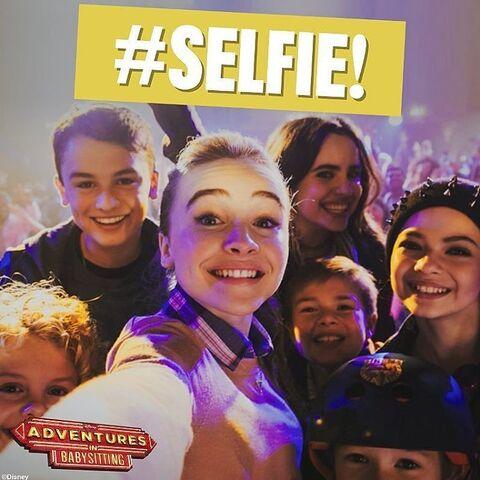 File:Selfie!.jpg