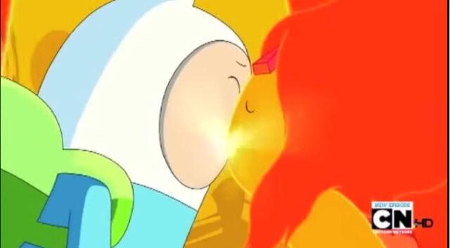 File:Finn and FP kiss.jpg