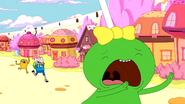S5e19 Lollipop Girl running from Finn and Jake