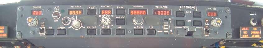 737 CL Glareshield 2