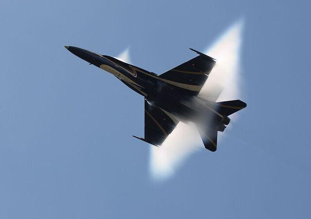 File:800px-CF-18, Hornet.jpg