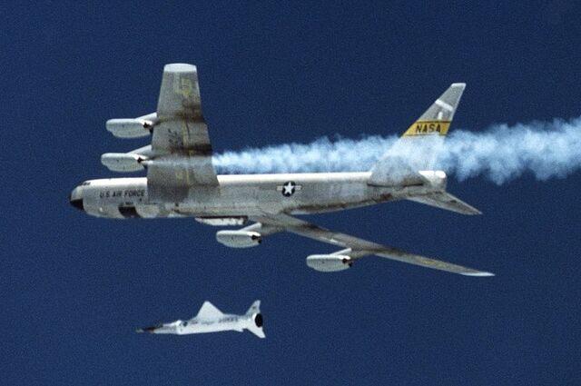 File:800px-B-52B with X43.jpg