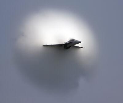 F18 Super Hornet with Vapor Cone