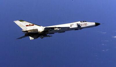800px-KampfflugzeugF-8China