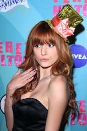 Beautiful-bella-bella-thorne-32669088-2400-3615