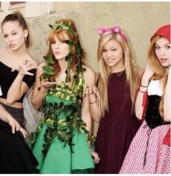 File:250px-Olivia ,Kat ,Bella e Kelli.jpg
