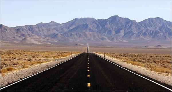 File:Extrateresstrail Highway.jpg