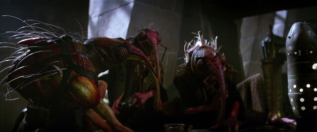 File:Insect-Like Aliens (Star Wars).jpg
