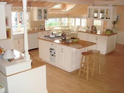 File:Jennings' house kitchen.jpg