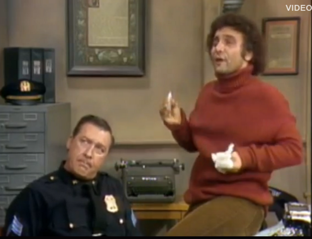 File:Ep 3x13 - Sgt. Blair and Det. Roselli.png