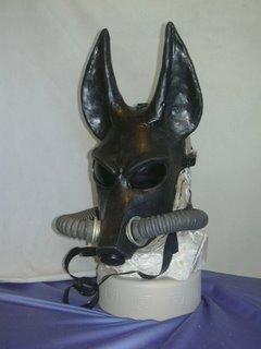 File:Jackal-latex-gas-mask.jpg