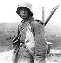 Bundesarchiv Bild 183-R05148, Westfront, deutscher Soldat crop