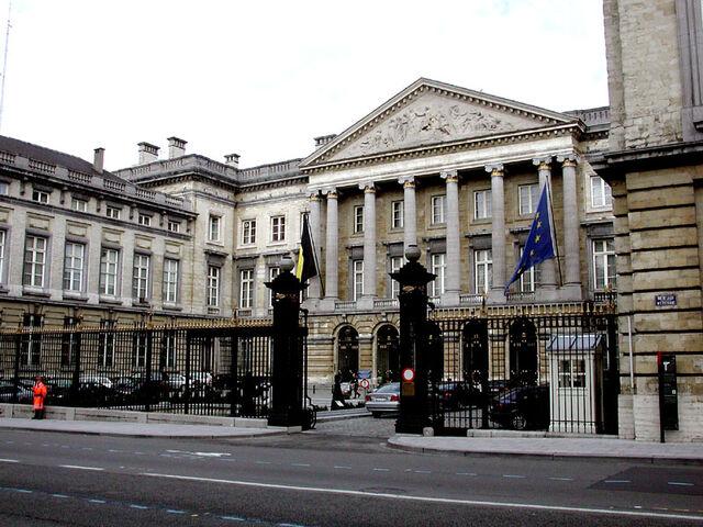 File:Brussel Parlementsgebouw.jpg