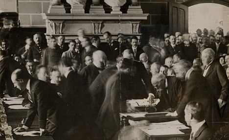 File:Signing of the Atomic Treaty.jpg