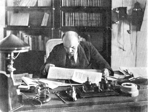 File:Lenin-office-1918.jpg