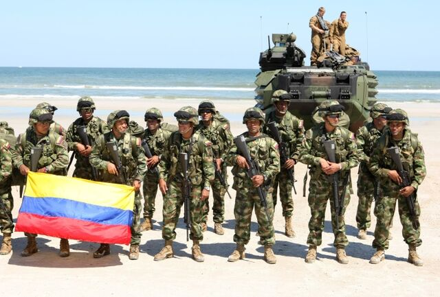 File:Infantes de marina colombia.jpg