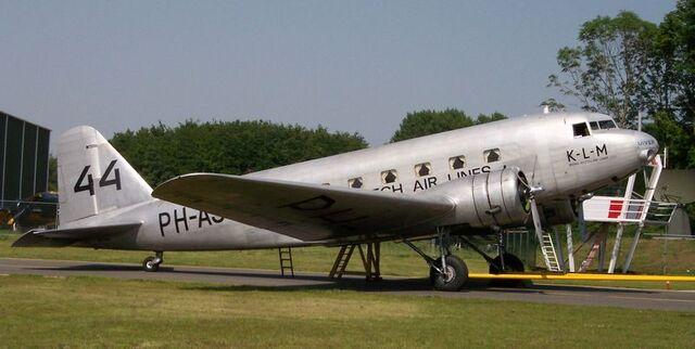 File:800px-Douglas DC-2 Uiver.jpg