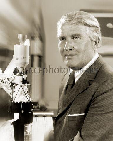 File:H4220159-Wernher von Braun, German rocket pioneer-SPL-1-.jpg