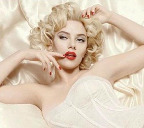 File:Scarlett Johansson + Dolce & Gabbana ad + Marilyn Monroe.jpg