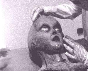 File:Roswell alien autopsy 2-1-.jpg