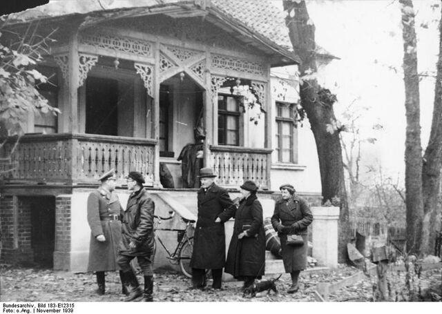 File:Resettled Baltic Germans.jpg
