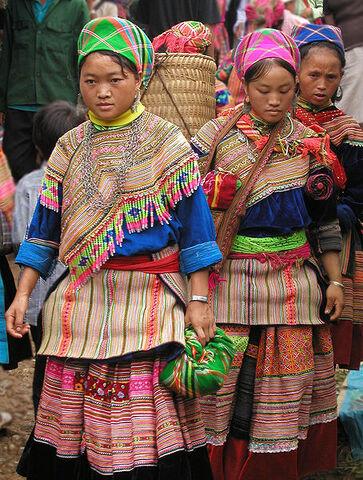 File:Hmong.jpg