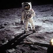 220px-Aldrin Apollo 11