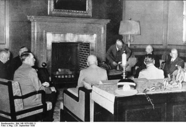 File:Munich Conference 29.9.1938 - meeting in Hitler's study.jpg