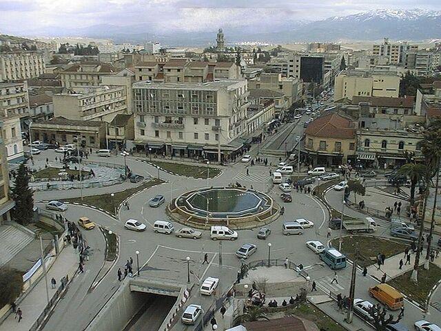 File:800px-Tizi Ouzou Place de la poste.jpg