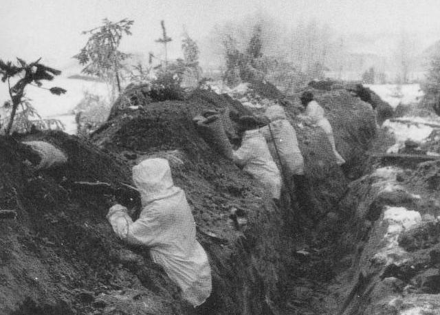 File:Trenches mannerheim line winter war.png