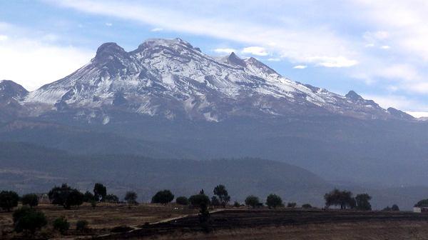 File:MountainIztaccihuatlMexico01.jpg