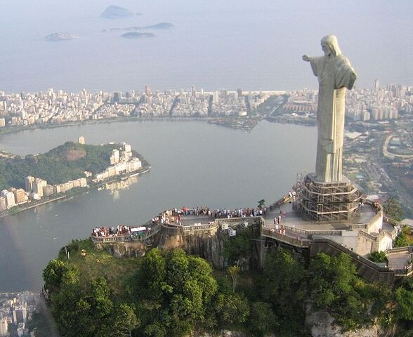 File:734px-Corcovado statue01 2005-03-14.jpg