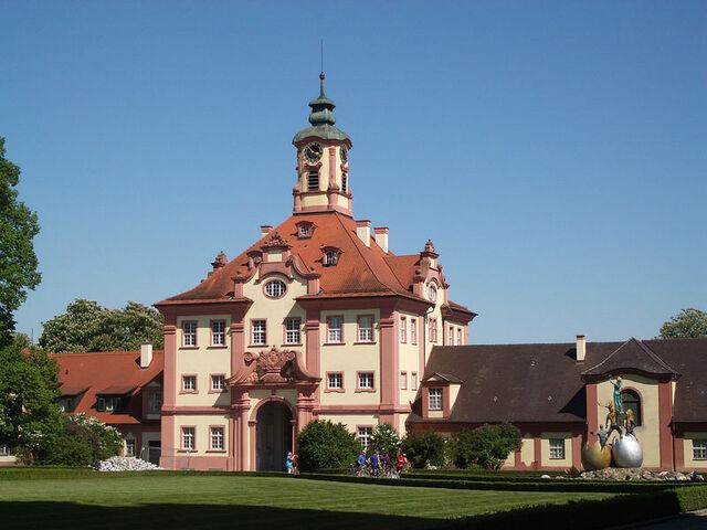 File:800px-Altshausen Schloss Torgebaeude 2005 a.jpg