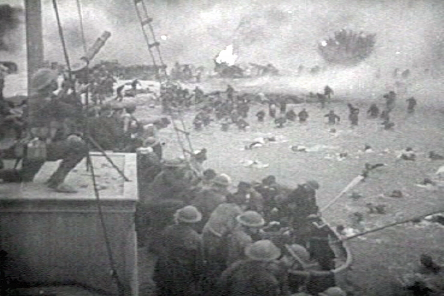 File:British troops retreat dunkerque.png