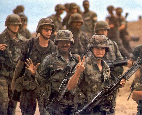 File:SRA Soldiers waving to the Newsies.jpg