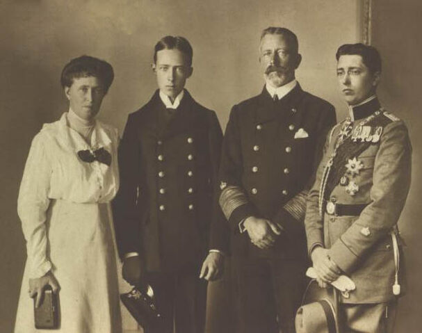 File:Welsh Royal Family.jpg