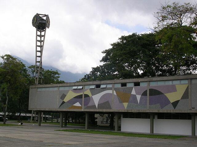 File:800px-Clock-Armando Barrios UCV.jpg