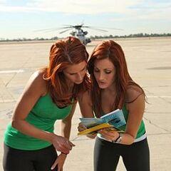 Jaime & Cara reading their first clue.