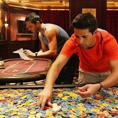 Sam &amp; Dan counting poker chips in the <a href=