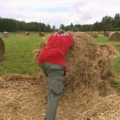 Big Easy rolls out hay bales at the Roadblock on <a href=