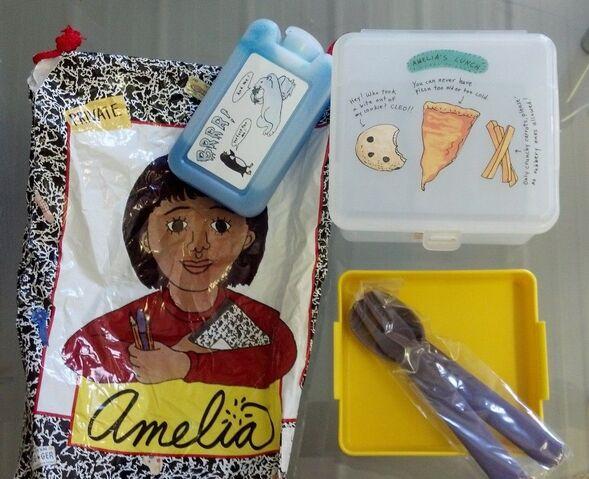 File:Amelia's-lunchbox.JPG