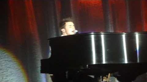 "Kris Allen - ""Ain't No Sunshine"" - Sovereign Center, Reading, PA 9-8-09"